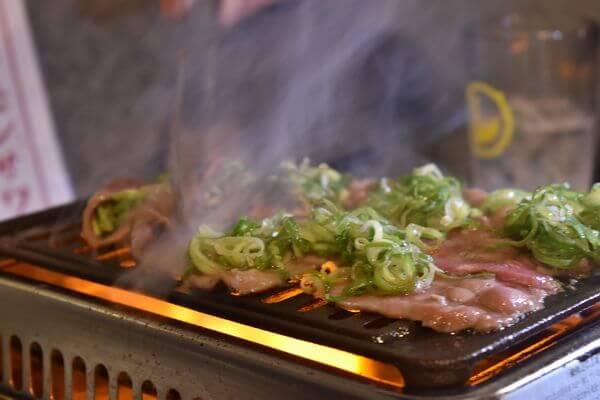 焼き肉ホルモン酒場ほんで 焼き肉